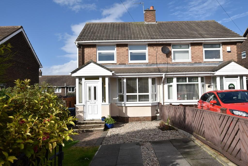 2 Bedrooms Semi Detached House for sale in Bradshaw Square, Town End Farm