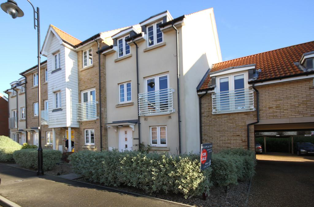 3 Bedrooms Town House for sale in Marsh Way, Camber, East Sussex TN31 7WQ
