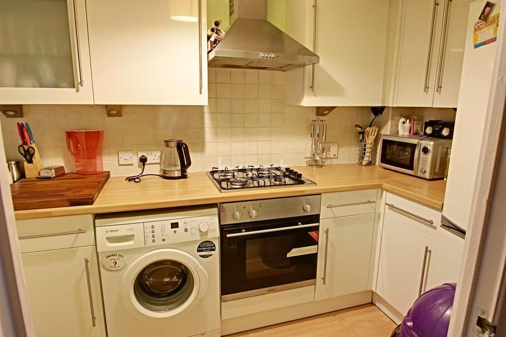 2 Bedrooms Terraced House for sale in Rectory Lane, Tooting, SW17