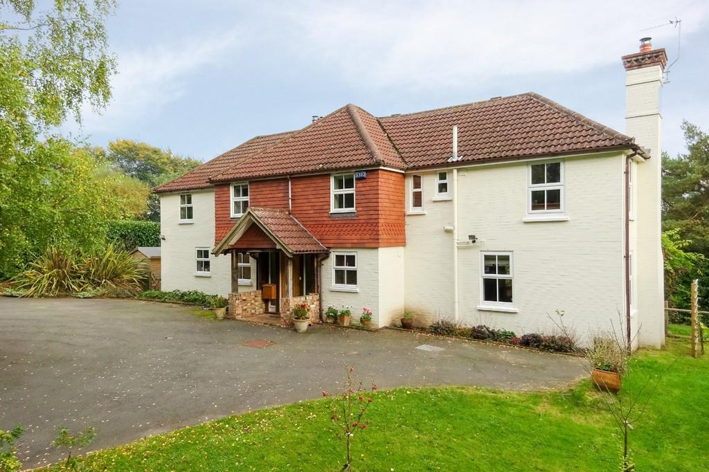 5 Bedrooms Detached House for sale in Warren Lane, Cross In Hand