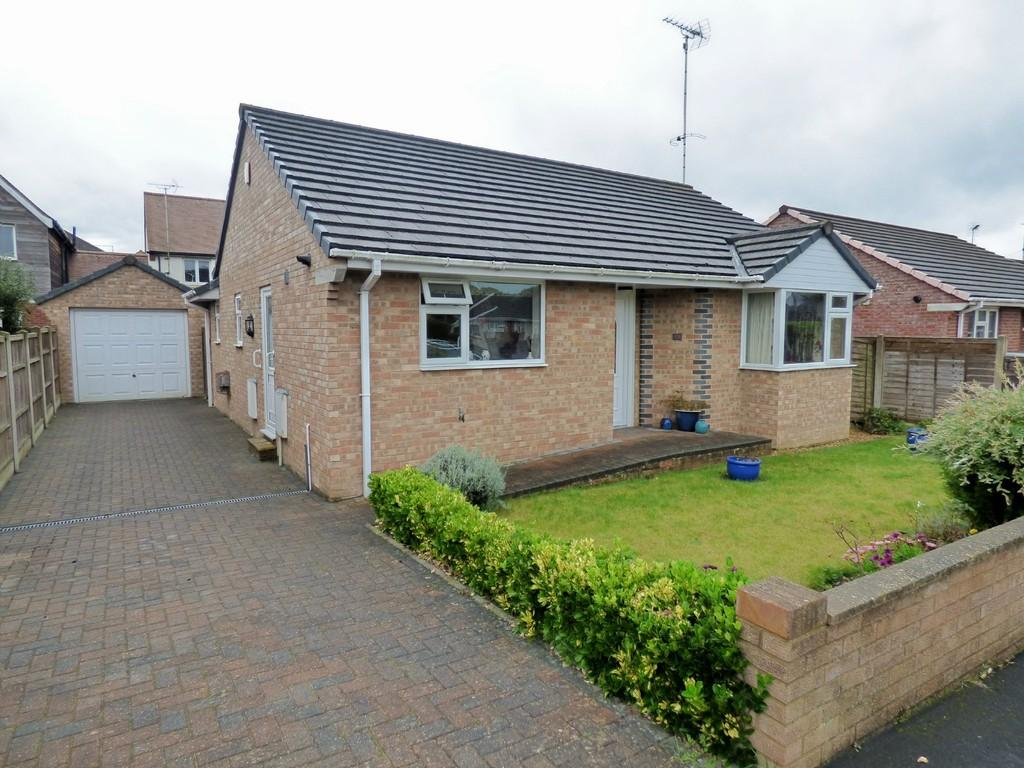 3 Bedrooms Detached Bungalow for sale in UPTON, POOLE