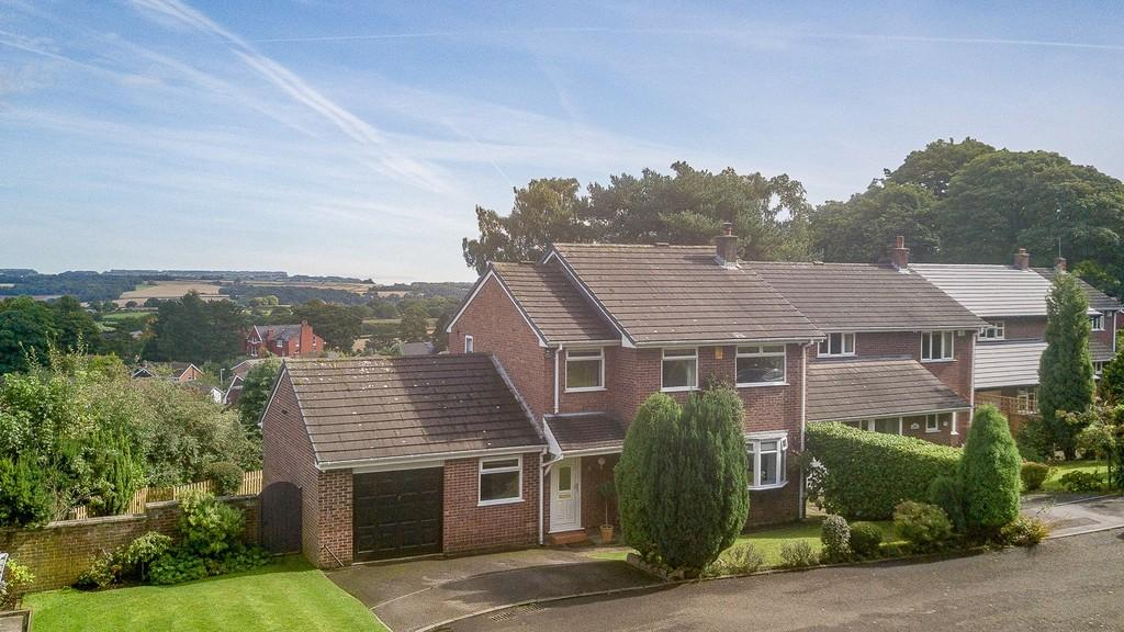 4 Bedrooms Detached House for sale in 5 Newlands Close, Frodsham, WA6 6EQ