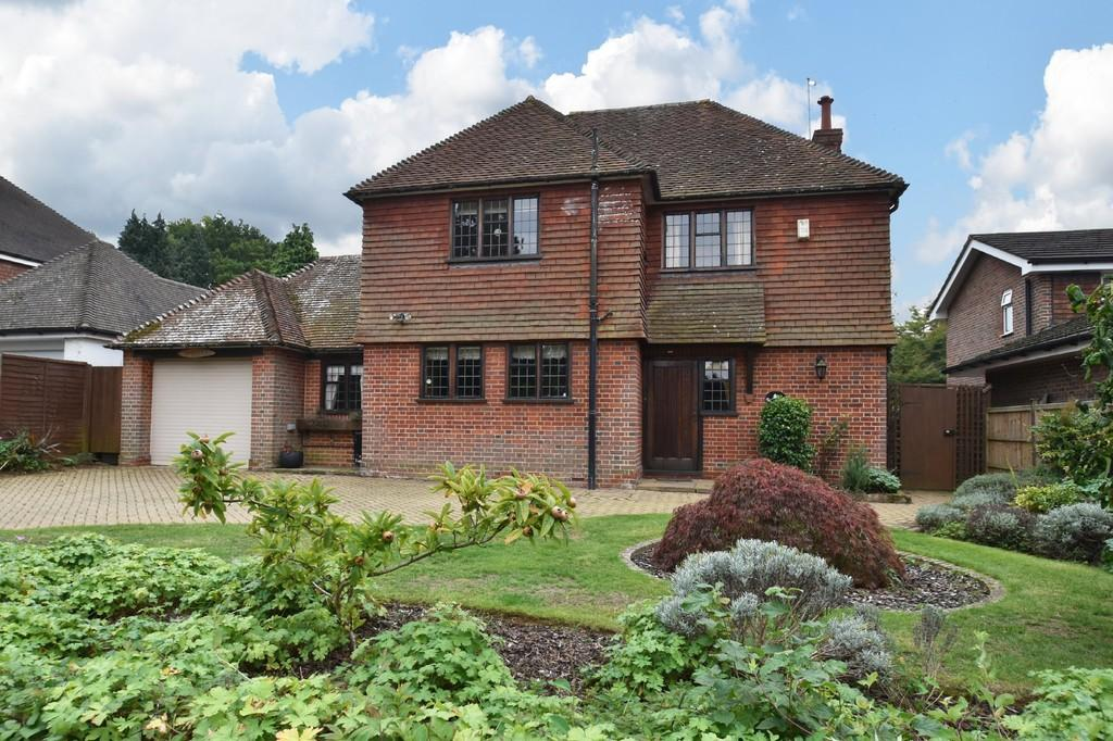 3 Bedrooms Detached House for sale in Busbridge
