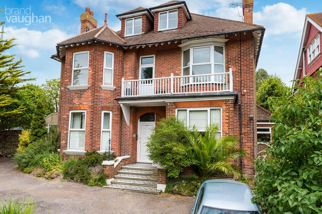 3 Bedrooms Flat for sale in Preston Park Avenue, Brighton, BN1