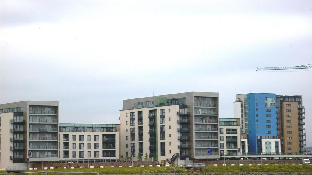 2 Bedrooms Apartment Flat for sale in Davaar House, Prospect Place, Ferry Court, Cardiff