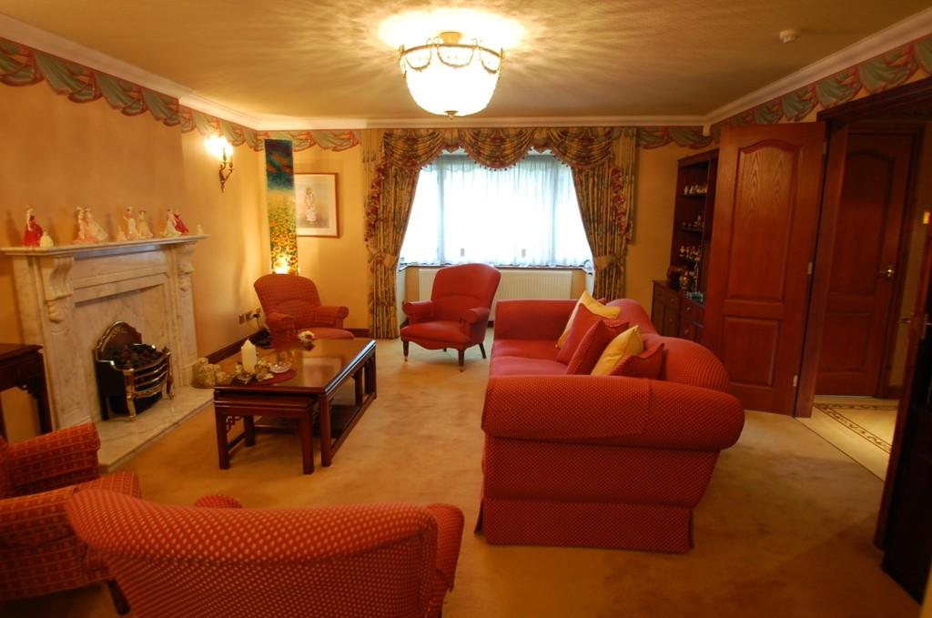 6 Bedrooms Detached House for sale in The Coppice, Beardwood, Blackburn