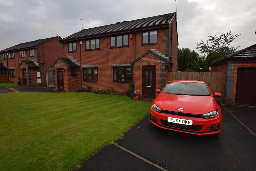 2 Bedrooms Semi Detached House for sale in Carrwood Close, Haydock, St. Helens