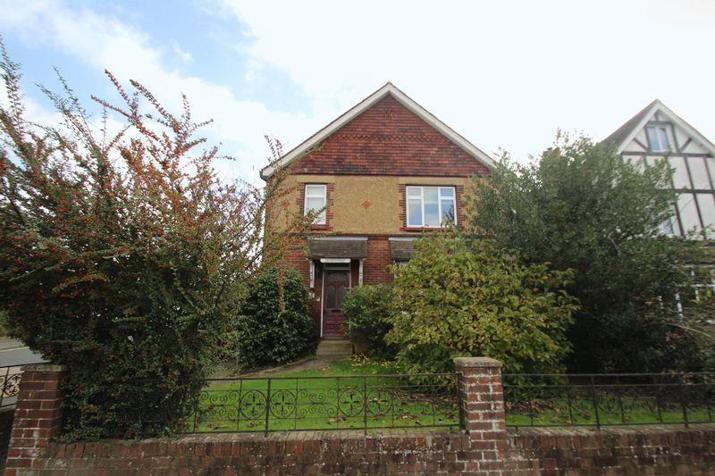 3 Bedrooms Detached House for sale in Goldsmid Road, Tonbridge