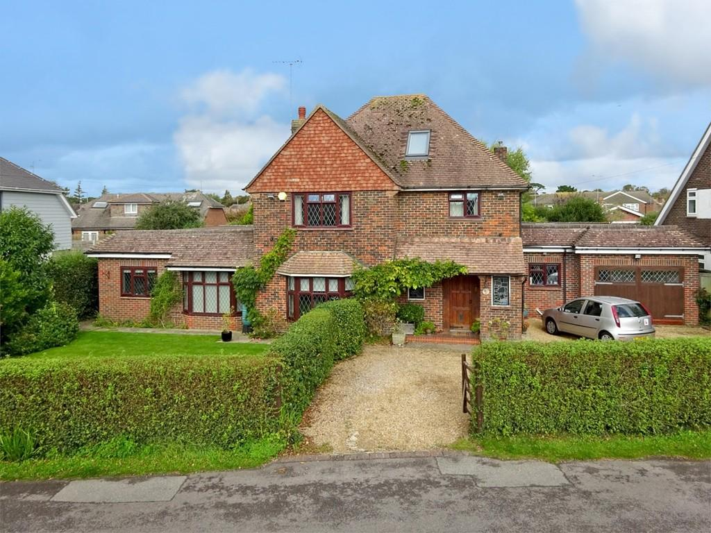 5 Bedrooms Detached House for sale in Beehive Lane, Ferring BN12 5NR