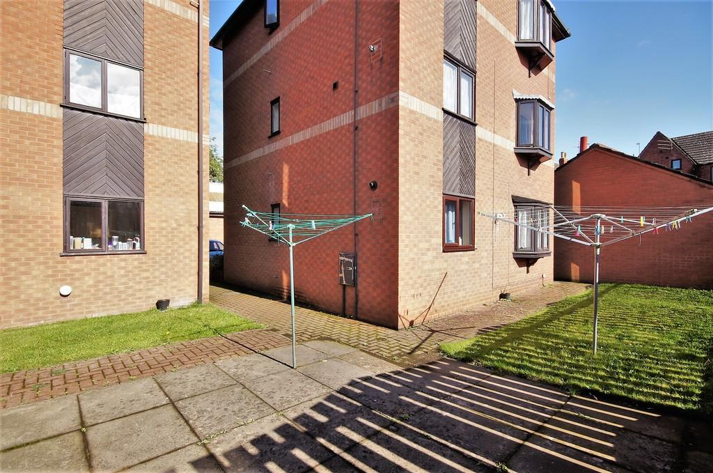 2 Bedrooms Flat for sale in Thorndike Mews, King Street East, Gainsborough