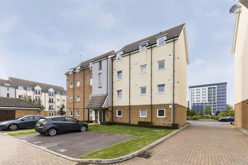 2 Bedrooms Apartment Flat for sale in Tudor Crescent, Portsmouth