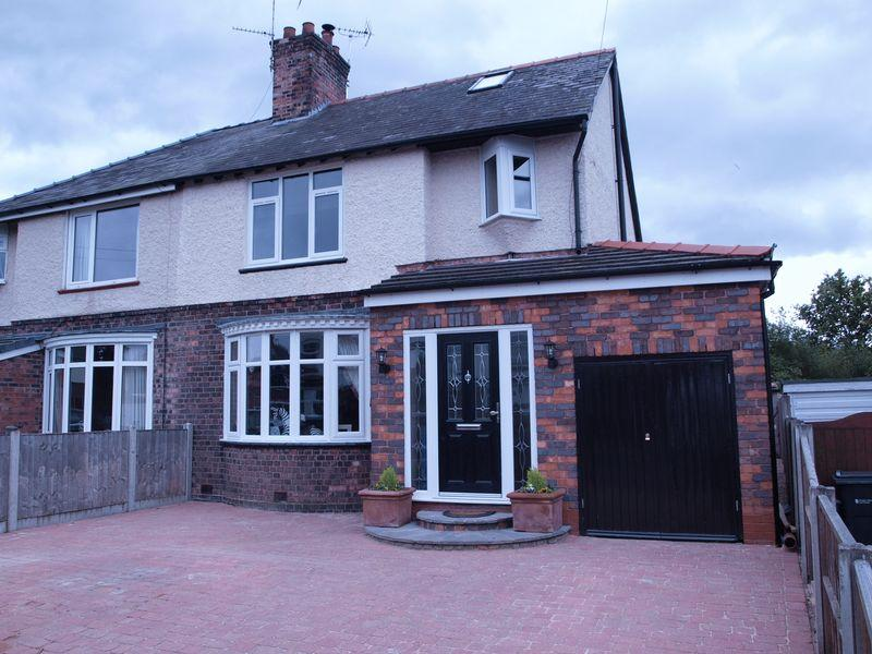 3 Bedrooms Semi Detached House for sale in Cromwell Road, Winnington, CW8 4BX