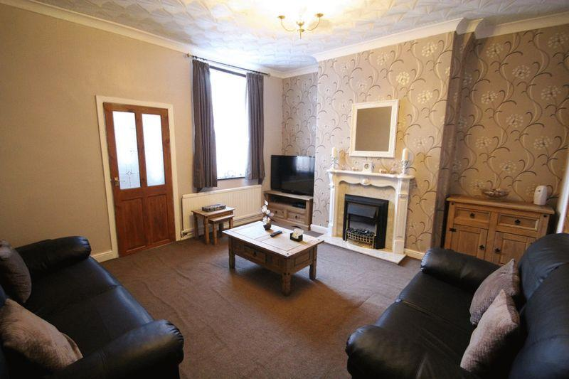 3 Bedrooms Terraced House for sale in Newchurch Street, Castleton OL11 2UP