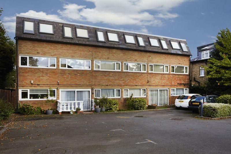 2 Bedrooms Apartment Flat for sale in Stanmore House 183 Burnt Ash Hill, Lee SE12