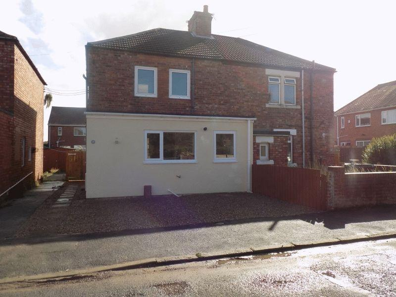 3 Bedrooms Semi Detached House for sale in Hartford Crescent, Bedlington