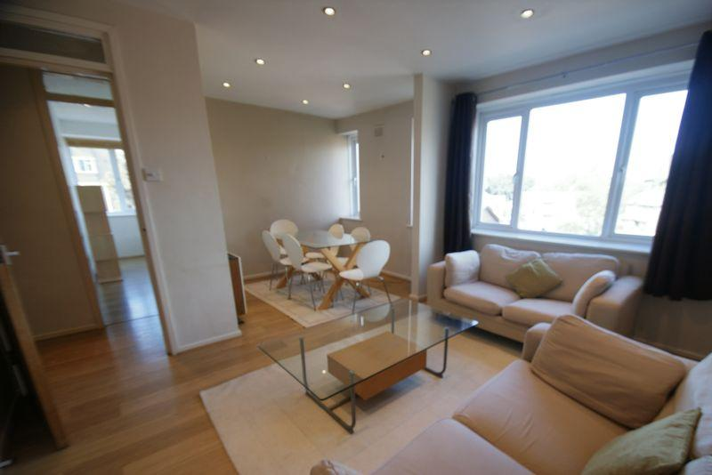 2 Bedrooms Apartment Flat for sale in Minster Court