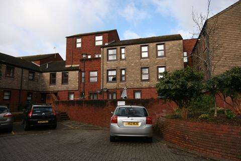 2 bedroom flat to rent - A spacious two bedroom first floor flat on Exeter's historic quay.