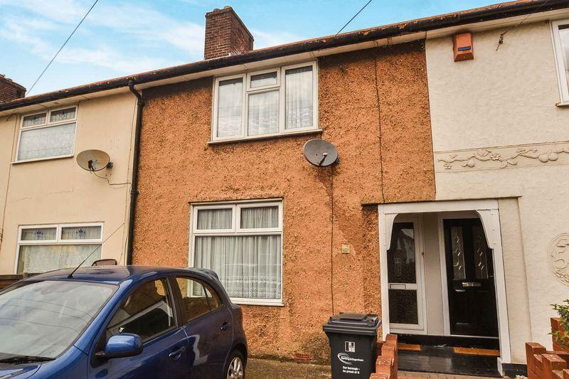2 Bedrooms Terraced House for sale in Westfield Road, Dagenham