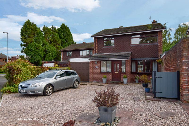 4 Bedrooms Link Detached House for sale in Rosebank, Lymm