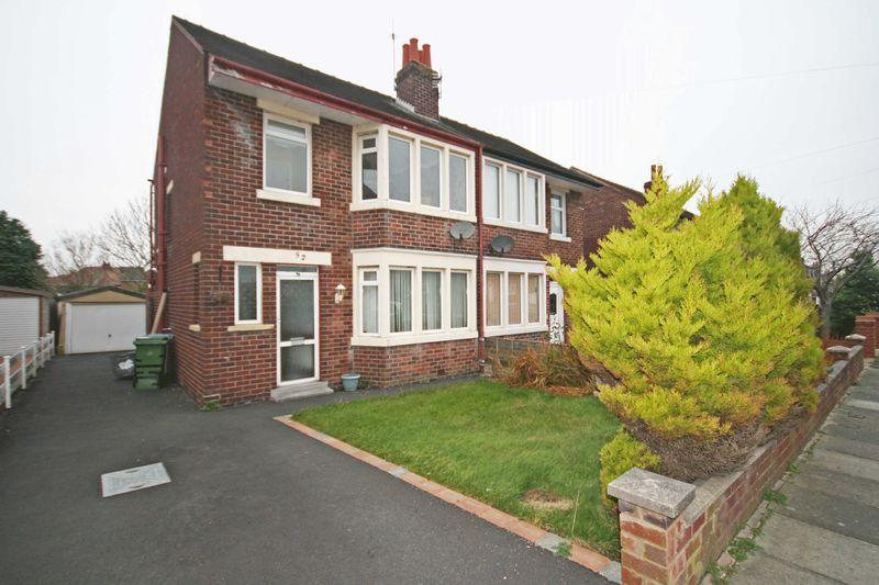 4 Bedrooms Semi Detached House for sale in Hodder Way, Poulton-Le-Fylde