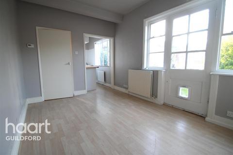 Studio to rent - York Road