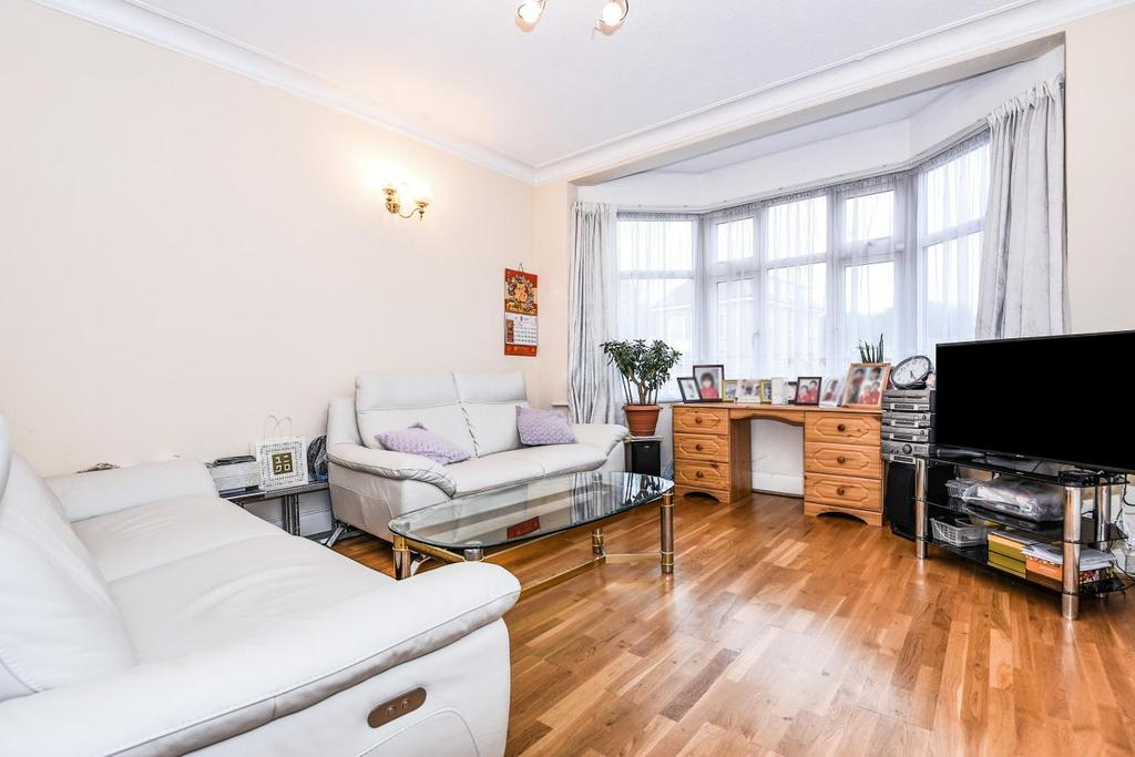 3 Bedrooms Semi Detached House for sale in Colney Hatch Lane, Muswell Hill