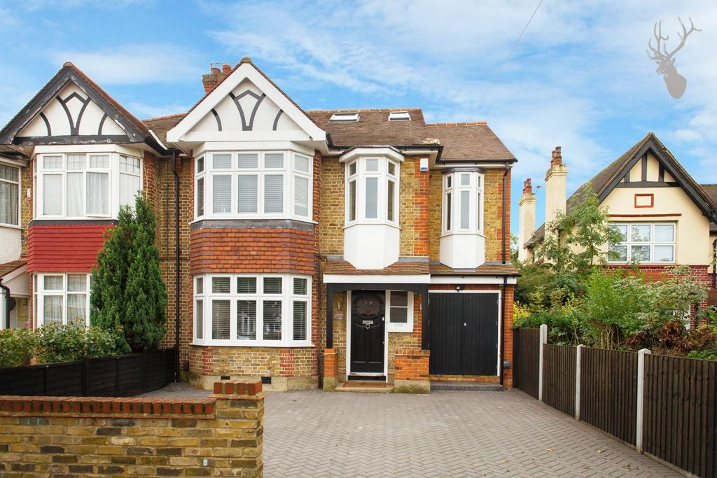 5 Bedrooms House for sale in Old Church Road, Chingford, E4