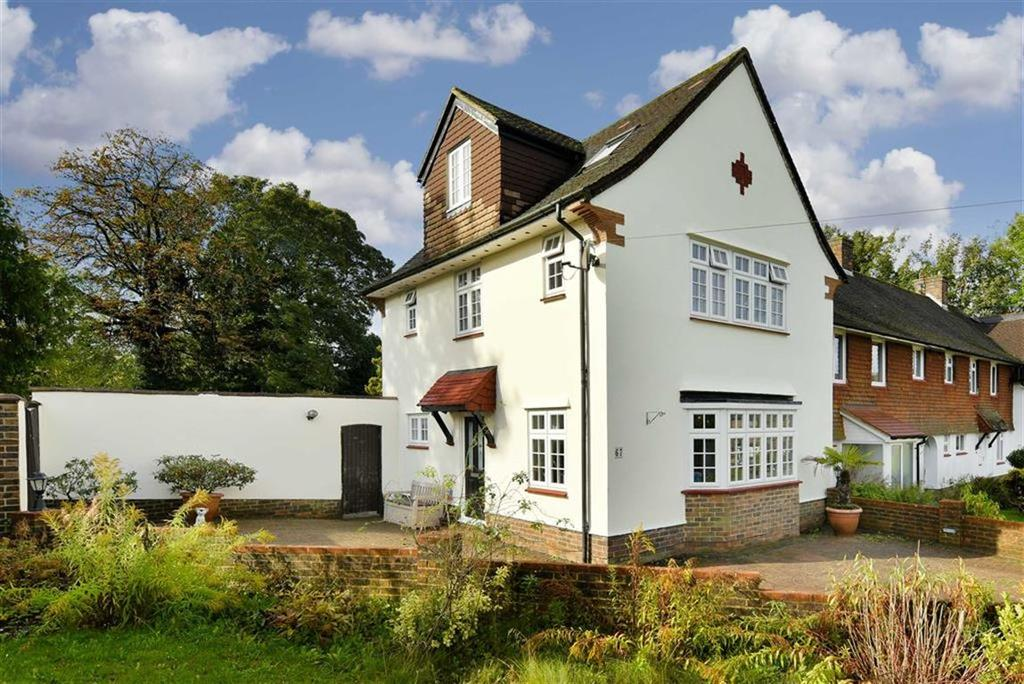 4 Bedrooms End Of Terrace House for sale in Upland Way, Epsom Downs, Surrey