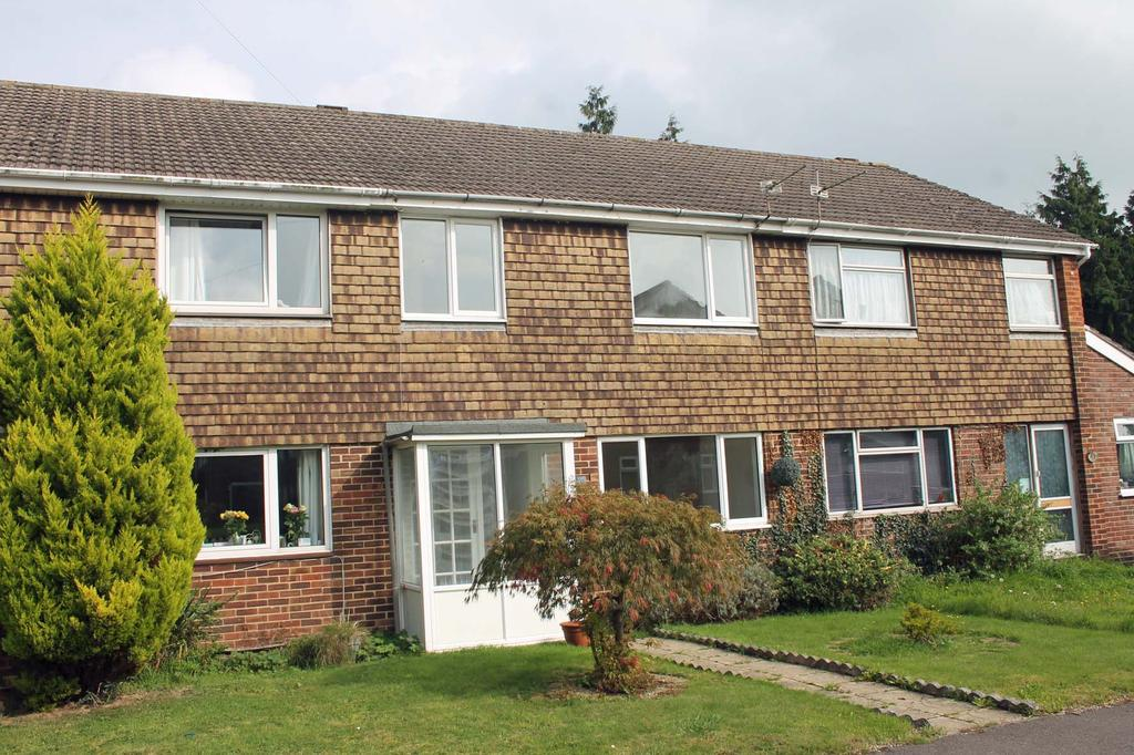 3 Bedrooms Terraced House for sale in Lawson Close, Lower Swanwick SO31