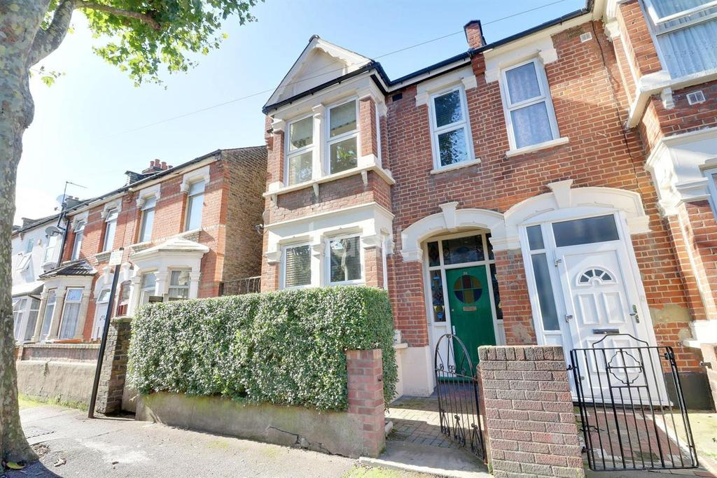 3 Bedrooms Terraced House for sale in Ladysmith Avenue, Central Park