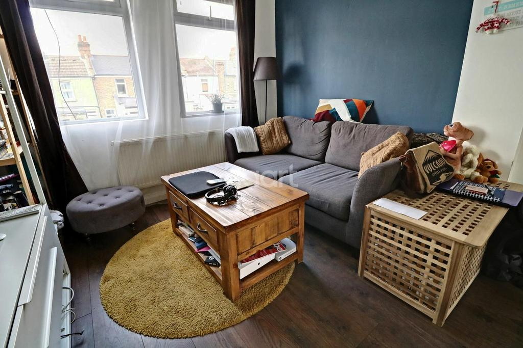2 Bedrooms Terraced House for sale in Shakespeare Road, Walthamstow