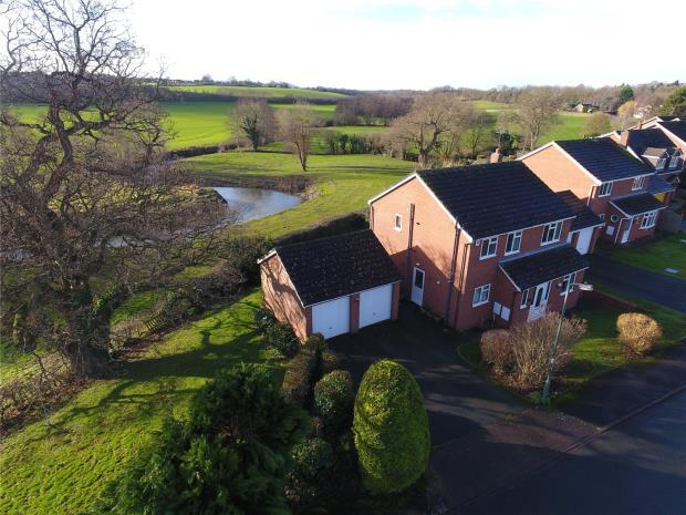 4 Bedrooms House for sale in Milnthorpe Close, Shrewsbury, Shropshire