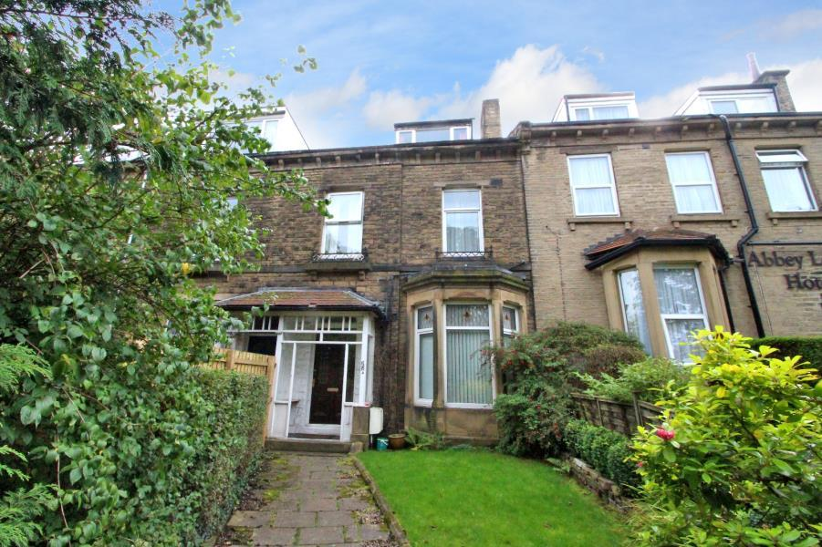 6 Bedrooms Terraced House for sale in KIRKGATE, SHIPLEY, BD18 3EL