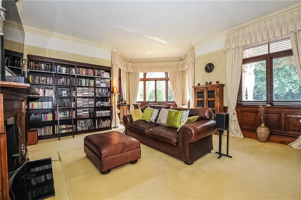 3 Bedrooms Flat for sale in Orchard Wood, 9 Hermitage Drive, Ascot, Berkshire, SL5