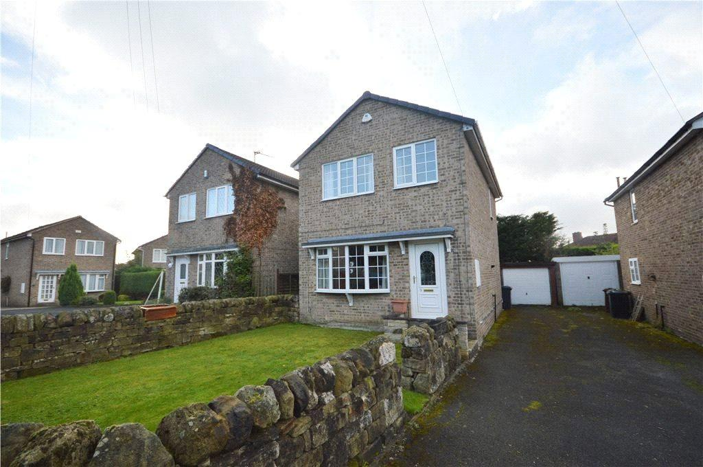 3 Bedrooms Detached House for sale in St. Oswalds Garth, Guiseley, Leeds, West Yorkshire