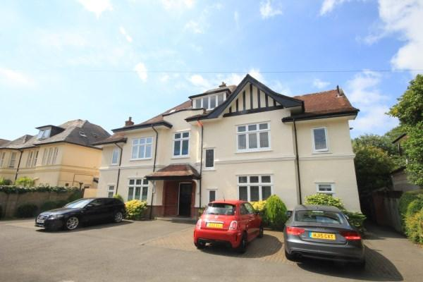 2 Bedrooms Apartment Flat for sale in Portchester Road, Bournemouth