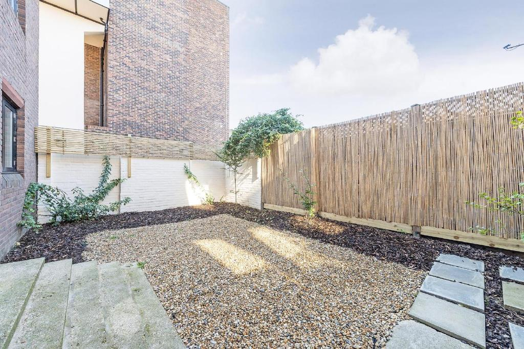 2 Bedrooms Flat for sale in Lisson Grove, Marylebone
