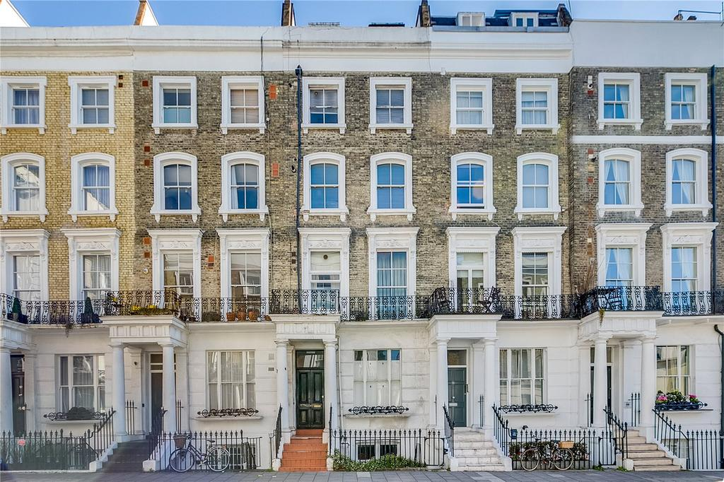 2 Bedrooms Flat for sale in Chepstow Road, Bayswater, London