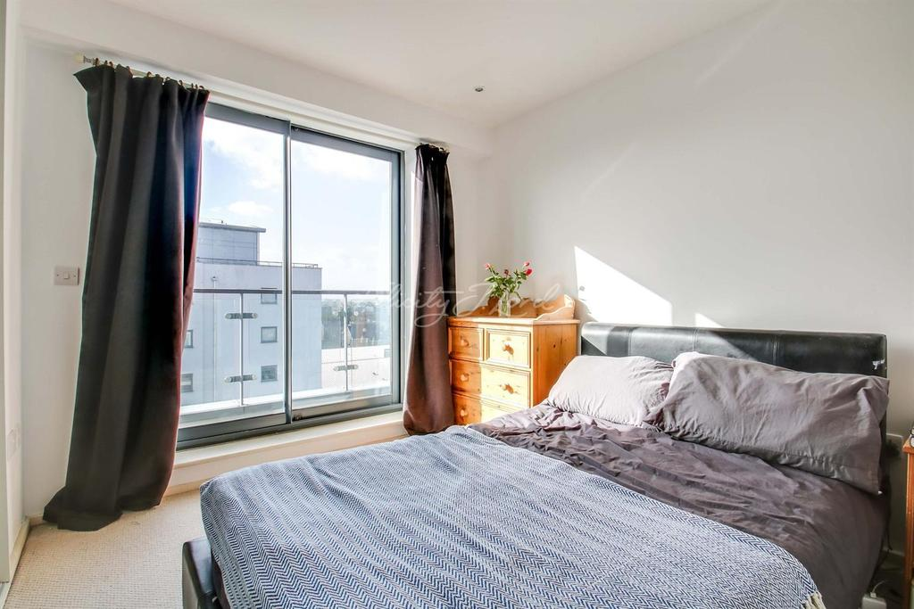 2 Bedrooms Flat for sale in Stylus House, Wapping, E1