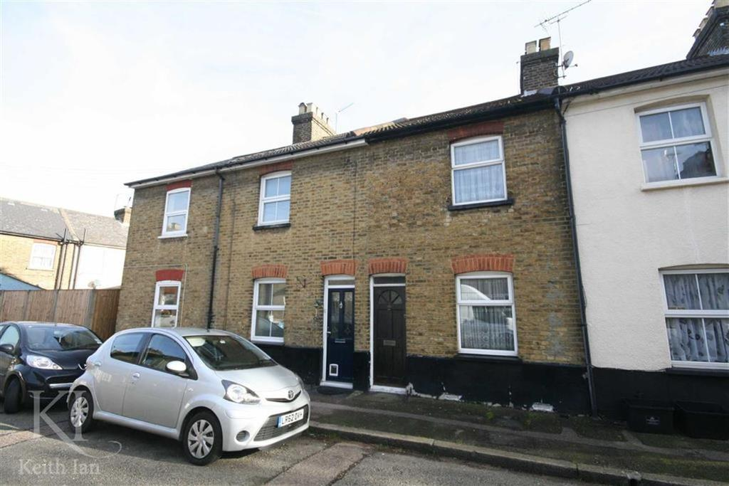 2 Bedrooms Terraced House for sale in Burleigh Road, Cheshunt