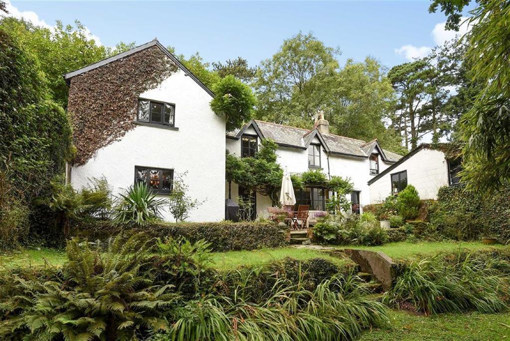 4 Bedrooms Detached House for sale in Umberleigh, Devon, EX37
