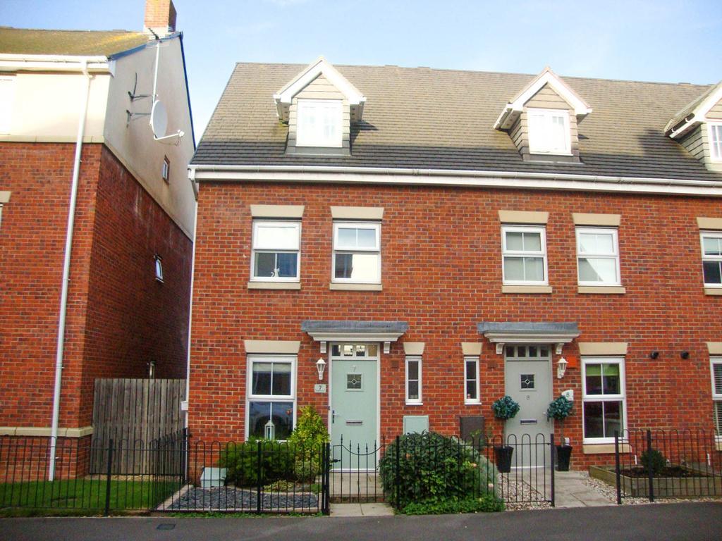3 Bedrooms Town House for sale in Olwen Drive, Hebburn