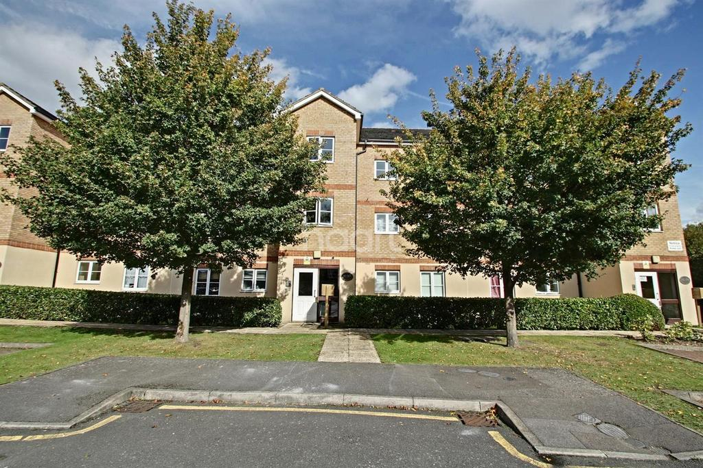 2 Bedrooms Flat for sale in East India Way, Croydon, CR0