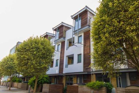 4 bedroom house to rent - Kingscote Way,, Brighton