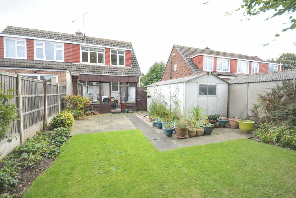 3 Bedrooms Semi Detached House for sale in Westerfield Way, Silverdale, Nottingham