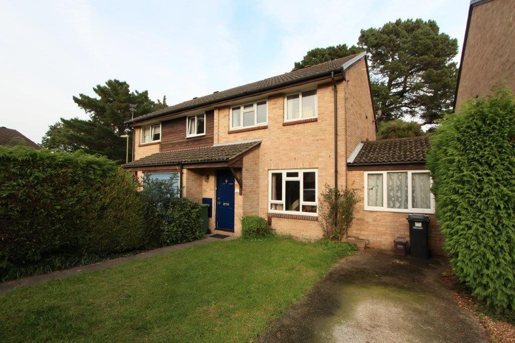 3 Bedrooms Semi Detached House for sale in Bembridge, Netley Abbey SO31