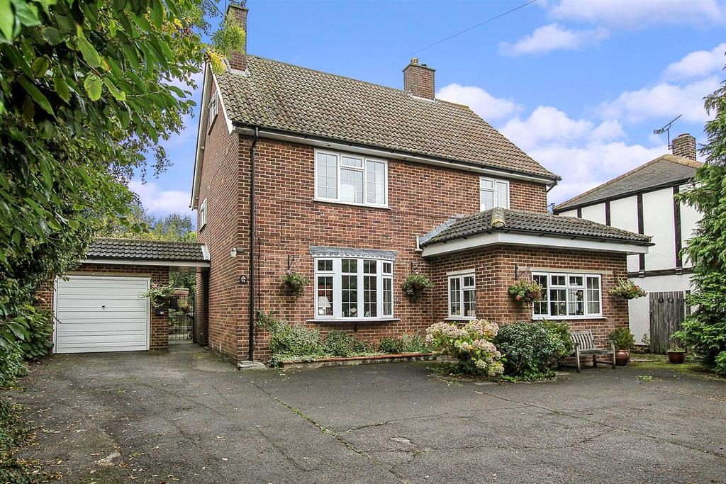 6 Bedrooms Detached House for sale in Patching Hall Lane, Chelmsford