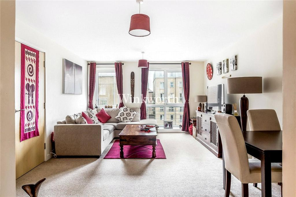 3 Bedrooms Flat for sale in Seven Sisters Road, London, N4
