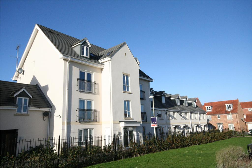 2 Bedrooms Apartment Flat for sale in Pintail Close, Cheltenham