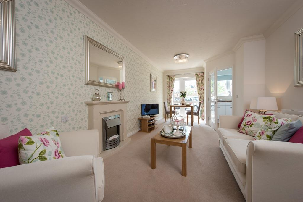 1 Bedroom Retirement Property for sale in Churchfield Road ,WALTON ON THAMES KT12